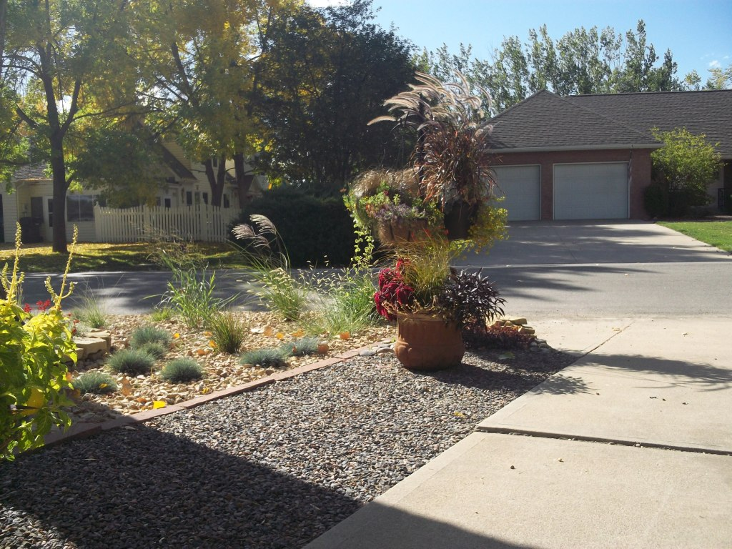 David 39 s front yard rock garden in colorado day 1 of 2 in - Front yard landscaping ideas with rocks ...