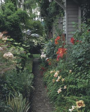 A Tale Of Two Side Yards Finegardening